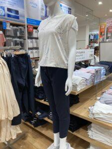 ユニクロ ジョガーパンツ×Tシャツ②